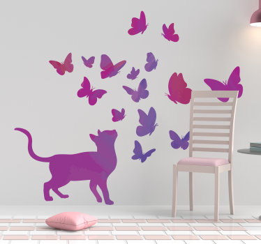 Vinilo pared decorativa diseño de la idea de la decoración creada con mariposas y gatos. Producto exclusivo y bonito para amantes de los gatos.