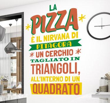 sticker decorativa da parete in vinile con un tema di cucina famosa citazione di cibo. Facile da applicare e disponibile in diverse dimensioni.
