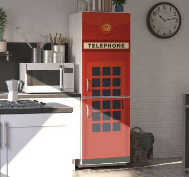 用旧的英国电话盒冰箱贴花的装饰装饰冰箱表面。我们通过定制使其适合任何表面以应用它。