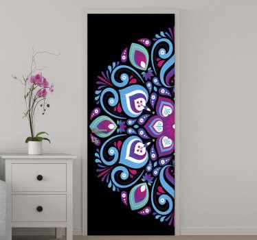 Adesivo decorativo porta mandala tono blu per abbellire la superficie della porta di casa. Usalo per lo spazio del soggiorno o della camera da letto.