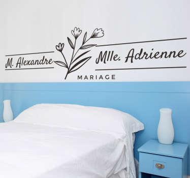 Sticker mural mariage pour votre maison avec des noms personnalisables dessus. Facile à appliquer sur toute surface plane.