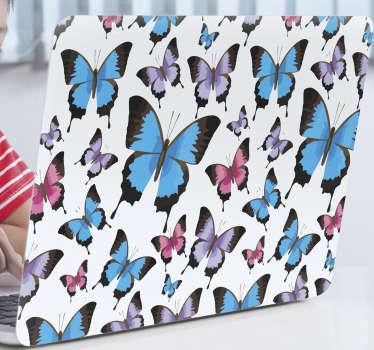 Achetez notre sticker décoratif pour ordinateur portable avec la conception de papillons bleus et violets pour envelopper toute la surface dans la taille de votre choix.
