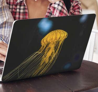 Sticker décoratif pour ordinateur portable avec la conception d'une méduse réaliste sur un fond incroyable. Facile à appliquer.