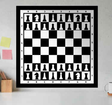 Decoratieve schaakbord muur vinyl zelfklevende sticker met volledige kenmerken erop. Kies het in de beste maatoptie voor een gewenst oppervlak.