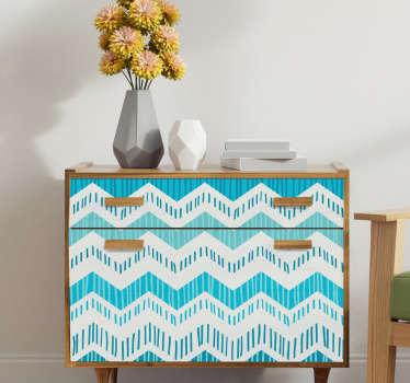 装饰性的蓝色曲折图案家具贴纸,以优雅的美感覆盖其表面。选择了理想空间的理想大小。
