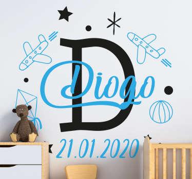 Illustratieve ruimte thuis muursticker voor kinderkamer met tekst personalisatie. Geef de tekst op die nodig is voor het ontwerp en de optie voor grootte.