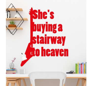 """Autocolante decorativo de letras de canções com o texto """"She's buying a stairway to heaven"""", da música """"Staiway to Heaven"""" dos Led Zepplin."""