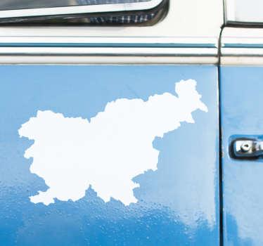 Okrasna nalepka slovenske karte silhueta za okrasitev katerega koli vozila ali ravne površine. Na voljo je v različnih barvnih in velikostnih možnostih.
