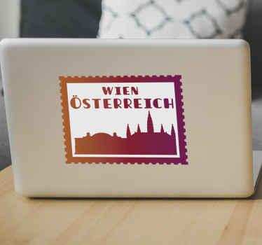 """Ein Wiener Briefmarke Laptop Aufkleber auf einem quadratischen Hintergrund mit Skyline und dem Text """"Wien Österreich"""". Es ist in verschiedenen Farboptionen erhältlich."""