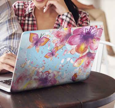 Fialový motýľ na modrom pozadí laptop laptop. Pekný dizajn pre laptop a je k dispozícii v akejkoľvek veľkosti. ľahko sa nanáša a je samolepiaca.