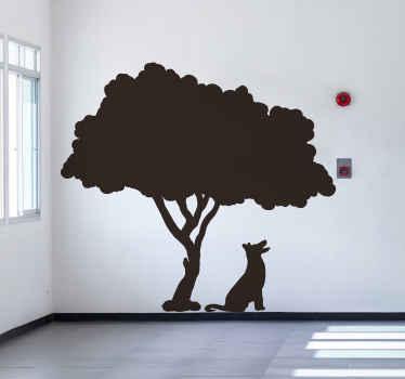 その下に犬がいる木の壁アートステッカーデザイン。このデザインはオリジナルで、特別な方法であらゆる空間を変形させるアートの外観を持っています。