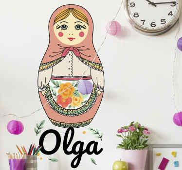 Vinilo bebé de muñeca matryoshka para dormitorio infantil en el que puedes elegir el nombre. Elige el tamaño ¡Envío a domicilio!