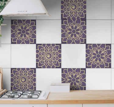 Nálepka na zeď, aby vaše koupelna nebo kuchyňský prostor vypadaly elegantně. Design vytvořený s květinovým vzorem paisley v okrasném stylu.