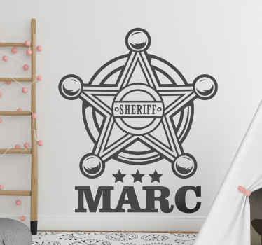 Vinilo pared infantil con la insignia del sheriff para la decoración de los dormitorios de los niños. Rellena el nombre ¡Envío a domicilio!