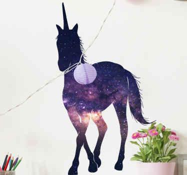 абстрактное животное настенное искусство наклейка дизайн единорога с космическим внешним видом. его легко наносить, и он доступен в любом необходимом размере.
