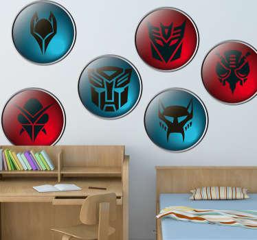 Colección de seis pegatinas con diferentes iconografías de Decepticons y Autobots. En colores azul y rojo. !Si eres fan de la película y los cómics hazte con estos vinilos!