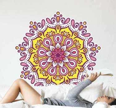 マンダラカラフルなピンクと黄色の花の壁のステッカー。平らな表面の装飾的なデザイン。必要なサイズでご利用いただけます。