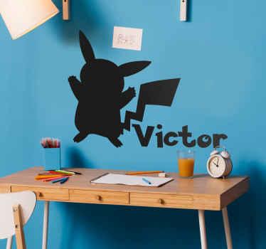 Vinilo Pikachu con silueta de pokemon con nombre para decorar el cuarto de tu hijo con su propio gusto ¡Envío a domicilio!