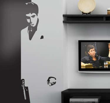 Deze muursticker van Tony Montana gespeeld door Al Pacino in de beroemde film Scarface, willen vast alle fans bezitten.