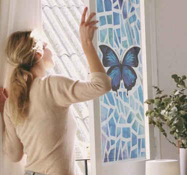 Prachtige vlinders raamsticker gemaakt in blauwe kleur en andere geometrische kenmerken. Verkrijgbaar in elke gewenste maat en heel gemakkelijk aan te brengen.
