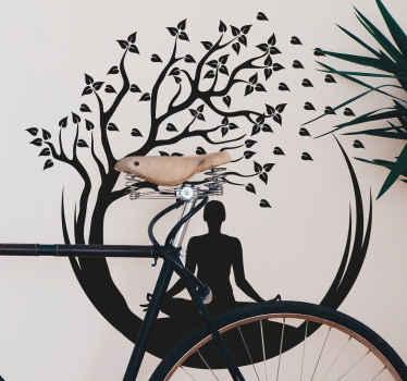 あなたの練習スペースのための美しいヨガの木の壁のステッカー。デザインは、ヨガの動きと集中力を表現した特別なスタイルのツリーデザインです。