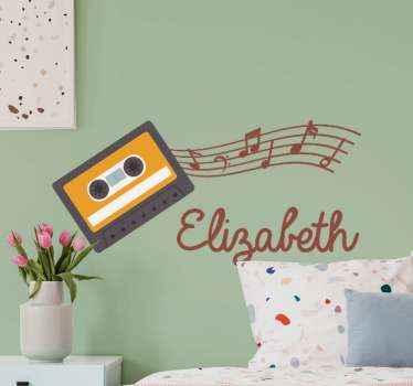 vinil autocolante decorativo da arte da parede de música clássica. Um desenho que ilustra notas musicais e toca-fitas cassete, é personalizável com o nome de sua escolha.