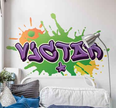 グラフィティアーバンアートステッカーデザイン。はねかけられた色の背景を持つ都会のストリートアートスタイルの名前の素敵なデザイン。