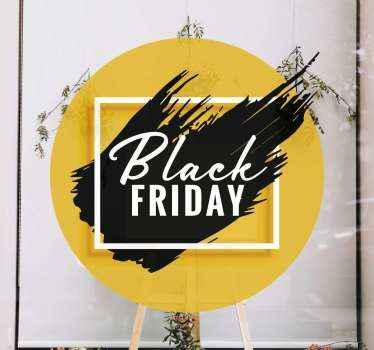 Kleurrijke zwarte vrijdag verkoop sticker voor etalageruimte. Een ontwerp gemaakt op een gele achtergrond met geverfd zwart oppervlak met zwarte vrijdag-tekst.