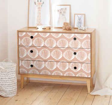 ベージュの背景に貝殻シートのデザインで作られた装飾的な家庭用家具のステッカー。すべての家具の表面に適したデザイン。