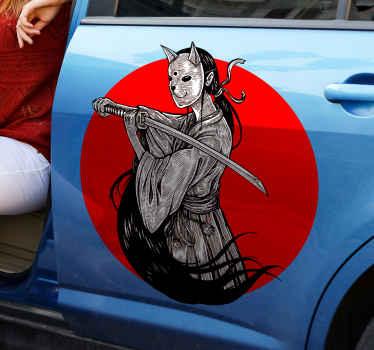 戦士の個性を愛する人のためのクリエイティブアートビニールカーデカール。このデザインは、マスクの顔をして剣で戦う忍者の女の子を描いています。