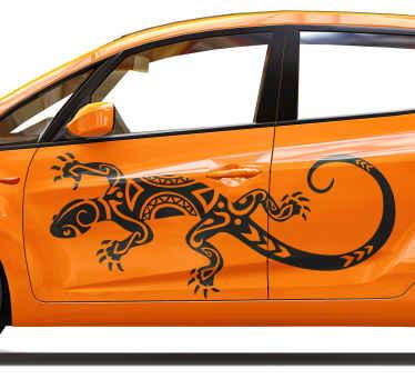 Aimez-vous les lézards ou les reptiles en général? Si vous le faites, vous pouvez décorer la fenêtre ou la porte de votre voiture avec cet autocollant de lézard tribal pour véhicules.