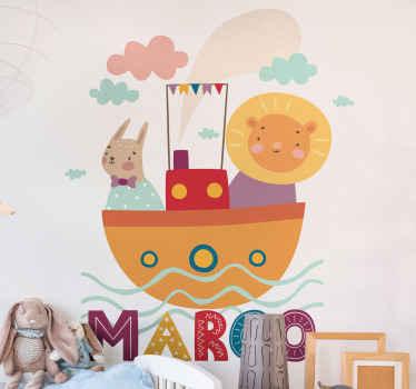 Decalcomania decorativa con illustrazione animale divertente e felice di animali illustrati come essere su una barca, che navigano sul mare. Personalizzabile con la scelta del nome.