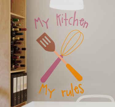 Als u het leuk vindt om de leiding te hebben en uw eigen regels in de keuken volgt, is dit perfect mijn keuken, mijn regelsstickers zijn een must-have op uw keukenmuren.