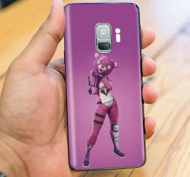 Beautiful Samsung phone sticker depicting a character from the 'battle royal' in fortnite video game. It is easy to stick and removable anytime.