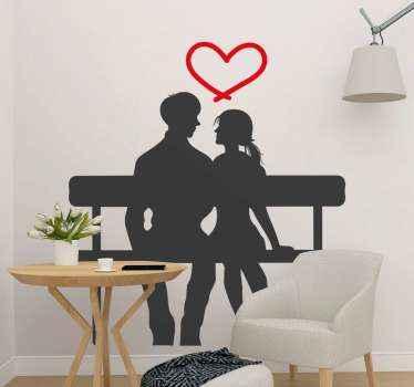 Notre adhesif original pour votre maison. Une conception de couple assis sur un banc avec une forme de coeur au-dessus de leur tête. Il est facile à appliquer.