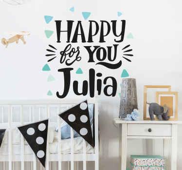 """Vinilos infantiles triangulares para decorar habitaciones infantiles. Triángulos de color limón  con el texto que dice """"feliz por ti"""" ¡Envío exprés!"""