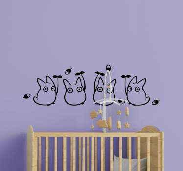 子供部屋用のシンプルな手描きの動物デカール。デザインは、モンスターとして描かれた4つの小さな漫画の生き物で構成されています。適用が簡単で接着剤。