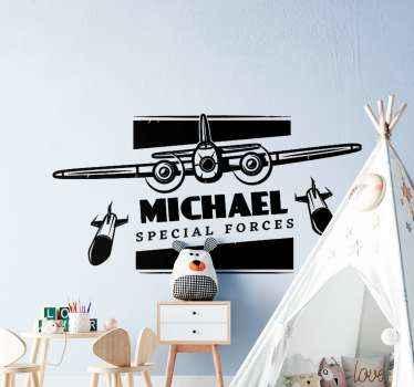 Aanpasbare speciale illustratieve zelfklevende sticker van het militaire vliegtuig voor de kamer van uw kind. Het is gemakkelijk aan te brengen en gemaakt van hoogwaardig vinyl.