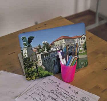 Original vinilo para laptop de puente del dragón de Eslovenia para disfrutar de una vistas exclusivas desde tu ordenador ¡Compra online!