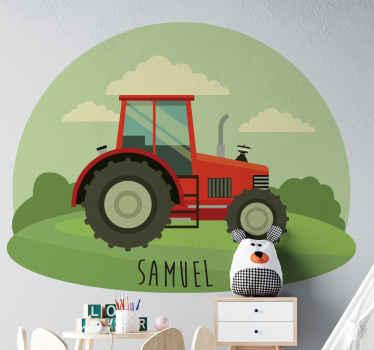 Přizpůsobený název samolepky na traktor, který zdobí prostor pro vaše dítě.. Je originální a snadno se nanáší na rovný povrch.