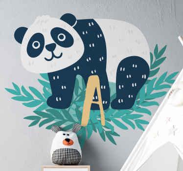 Vous pouvez personnaliser la première lettre de votre enfant sur ce panda heureux avec un stickers de mur de chambre d'enfant initial. Facile à appliquer et amovible.