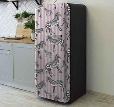 キッチンやダイニングで冷蔵庫のドアの表面を包むためのヴィンテージゼブライラスト冷蔵庫ステッカー。適用が簡単で、耐久性があり、しわになりにくい
