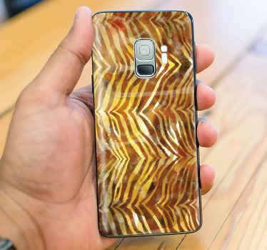 Hermosa skin de Samsung para cubrir la superficie posterior tu móvil con este estampado de piel de cebra dorado. Elige tu modelo ¡Envío exprés!