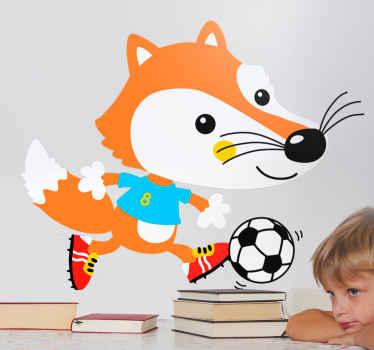 Vinilo para niños con el diseño de un zorro jugando con una pelota de fútbol, ideal para darle un toque tierno y único a la decoración.