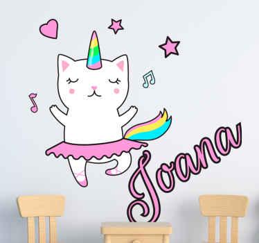 Als uw als kind de volgende grote ballerina-danseres hebt, waarom geef u ze dan deze prachtige gepersonaliseerde katten muursticker met hun eigen naam!