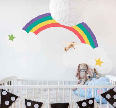 Vinilo para niños de dibujo de arco iris con nubes. Un diseño para transformar la habitación de tu pequeño de una forma interesante y alegre.
