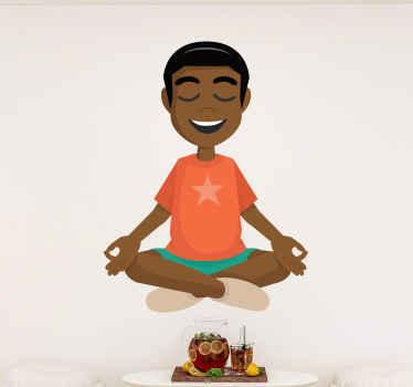 クロスレッグに座って瞑想している男の子の愛らしいイメージが特徴のヨガウォールステッカー。除去時に残留物がゼロ。
