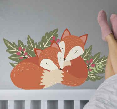 Dit fantastische dierenmuurdecor stelt twee slapende vossen voor. Het is heel gemakkelijk aan te brengen, u kunt het schoonmaken met een natte doek.