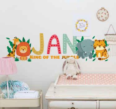 ¡Maravilloso vinilo animales selva para habitación infantil! El diseño está hecho con león, elefante y más y se puede personalizar el nombre