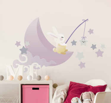 子供のためのかわいいイラストステッカー。デザインには、月の釣りの星に座っているウサギが見られます。高品質の素材と粘着性で作られています。